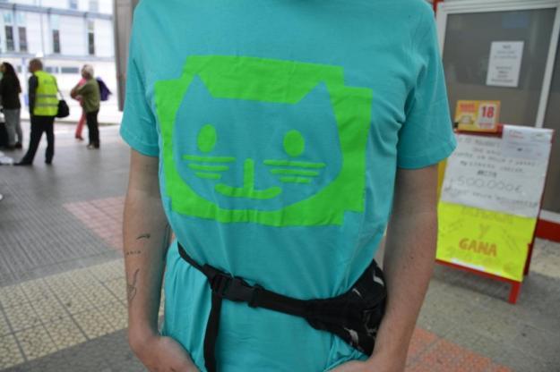 iñigo con camiseta de gatito  2016-2